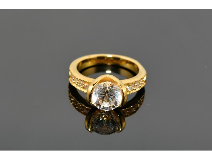 S0459 Prstýnek z chirurgické oceli  GOLD s krystalkem